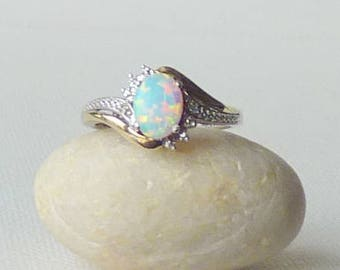 Opal Sterling Silver Ring, Vintage Synthetic Opal Cubic Zirconia Ring Cocktail Ring, Size 7 Dainty Ring, Simple Oval Wave Faux Opal Ring