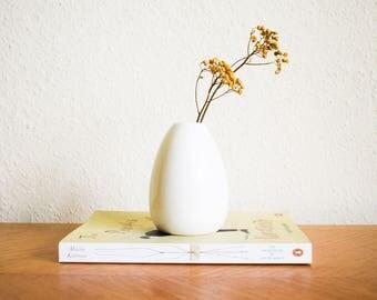 White Vase, Small White Ceramic Vase, Weed Pot Vase, Minimalist Home Decor Flower Vase