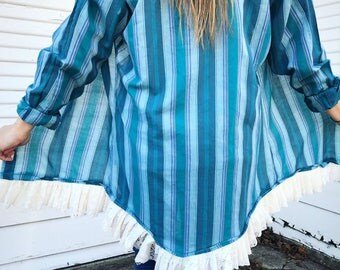Turquoise  - Lace Trim Pearl Snap - REVAMP - Pearl Snap Shirt - Size MEDIUM