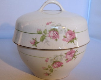 Elegant Homer Laughlin ginger jar or bowl?  I'm not sure what this is.  But according to the markings it's from 1913-1940