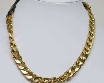 Charming gold tone choker necklace