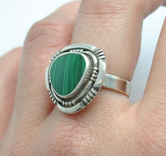 Vintage malachite ring and silver, vintage rings, malachite rings, triangular rings, malachite vintage, vintage jewelry, malachite jewelry