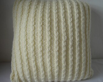 cable pillow cover, rich cream cushion cover, cream knit cushion cover, home accessory, cozy pillow, cabled cushion, cream cabled pillow