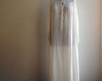 Vintage Saks fifth avenue nightgown - Cotton nightgown - Vintage cotton nightgown - Saks fifth avenue - Vintage nightgown