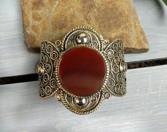 Aqeeq cuff bracelet,Carnelian gold tone cuff,Tribal aqeeq cuff bracelet,Carnelian gemstone,Ethnic tribal bracelet