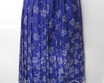 Blue Pleated Leaf Print Skirt