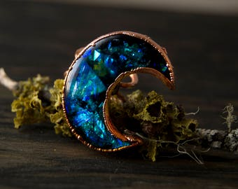9.75/ Crescent Moon Teal Blue Iridescent Witchy Copper Electroformed Ring