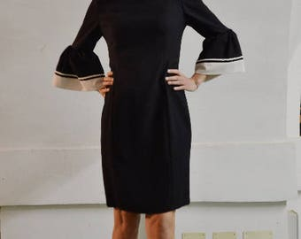 black elegant fitted wool dress // boat neckline dress  //  bell sleeves dress //  pencil dress //
