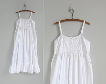 90s victorian dress / vintage romantic white cotton sun dress / antique inspired nightgown / womens M