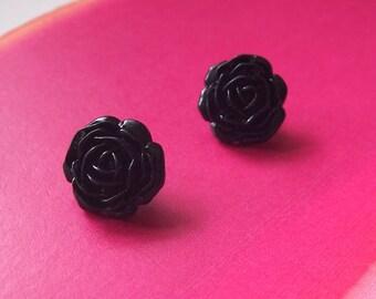 Stunning vintage black rose stud earrings (lucite / plastic)