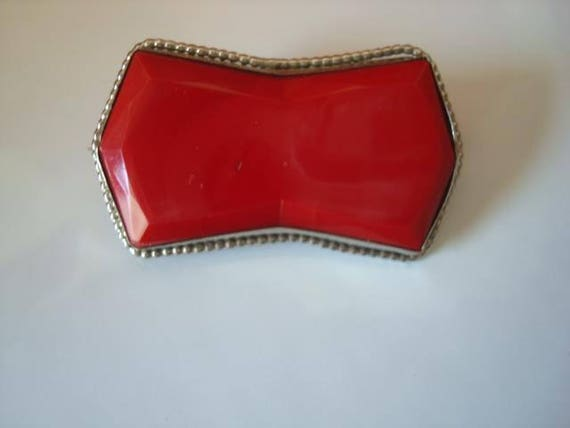 Vintage Art Deco Silver Tone  Marbled Red Glass Pin Brooch