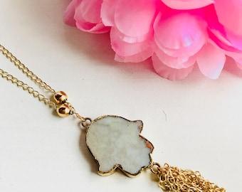 Druzy necklace, hamsa short necklace, natural stone necklace, hamsa pendant necklace, tassel necklace, chain necklace, chain hamsa necklace