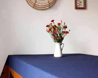 Linen tablecloth blue with hand-printed board