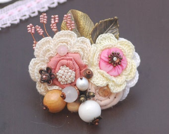 Pink white knitted brooch Fabric Brooch Textile Brooch Mixed media brooch Clothing accessory Flower Corsage Pin Brooch Cloth brooch