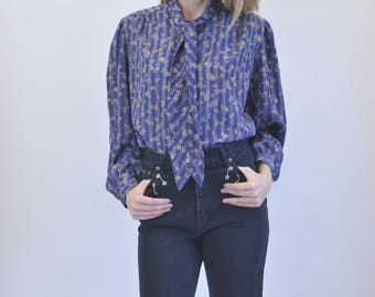 Satin flower pattern shirt with tie collar and cuff sleeves vtg 1970s