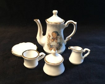 1993 Hummel Mini Tea Set