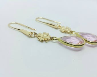 Four leaf clover earrings 14 k gold and glass beads