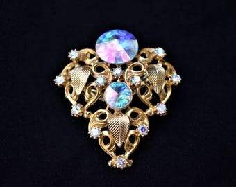 Vintage Mid Century Aurora Borealis Rhinestone Ornate Leaf Brooch Coat Sweater Pin Gold Tone 1.75""