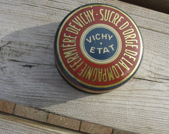 Boite tole Vichy Etat .Old tin box. Vintage. France