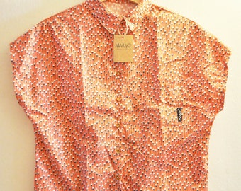 Woman shirt, coral color, white flowers print, short sleeve, wooden buttons, limited edition