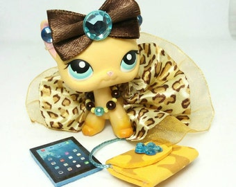 Littlest Pet Shop LPS custom  outfit clothes  accessories lot  with lps skirt lps bow lps necklace * Cat not included *