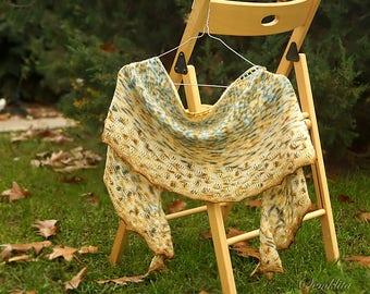 Knitted semi-circular shawl, oversized lace shawl, extra fine merino wool shawl Autumn tain