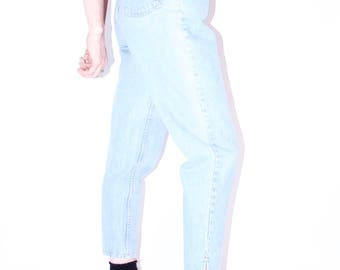 perfect 90s vintage high rise light wash mom jean women's SZ 28 90s style 90s clothing