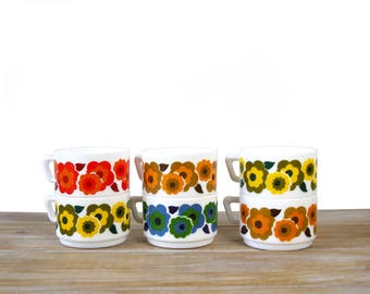 Six vintage ARCOPAL coffee cups LOTUS design 70s - French vintage coffee mug by Arcopal - Blue, red, yellow, orange Arcopal coffee tea cups