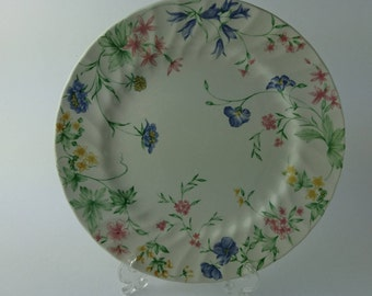 Crown Clarence Dinner Plate – Made in England – Floral Design