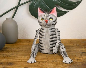 The grey cat - Statuette hinged wooden