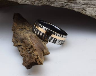 Titanium and gold ring, a unique wedding band for him with a tree bark pattern and a 18 karat gold inlay,  wedding ring, black wedding ring