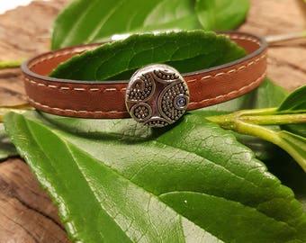Leather bracelet; Brown leather bracelet; Mens leather bracelet; Father's day;  Unisex leather bracelet;  Silver bracelet