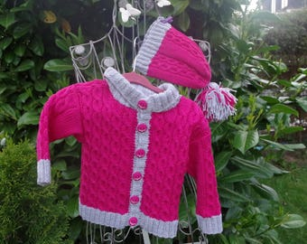 Pink Merino sweater with cap and braid pattern