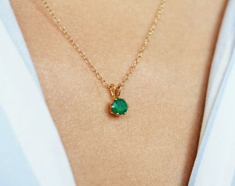 Green Onyx Necklace, Gold Green Onyx Pendant, Gold Onyx Necklace, Green Onyx Jewelry, Green Necklace, Dainty Necklace, Delicate Necklace
