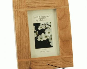 Oak photo frame (4x6) engraved with your message. A great way to capture a special moment or memory.