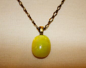 Lemon Serpentine Designer Cabochon Necklace