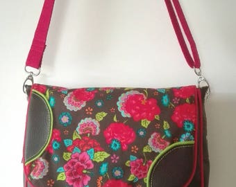Brown and flowers shoulder bag / crossboby with flowers