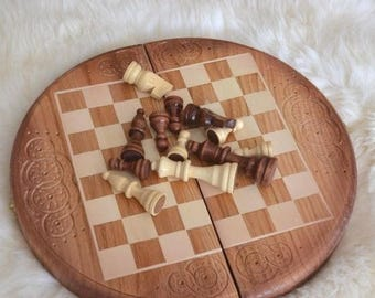 Unique Wooden Chess Set Round Chessboard Chess Board Wood Chess Pieces Table  Chess Set Carved Wood