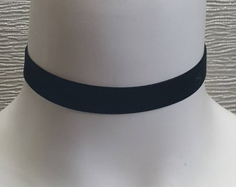 Beautiful Velvet Choker in Black, Red, Teal or Pink! Flexi Fit, UK made, Fast Dispatch! Visit our shop for loads of Chokers!! YAY!
