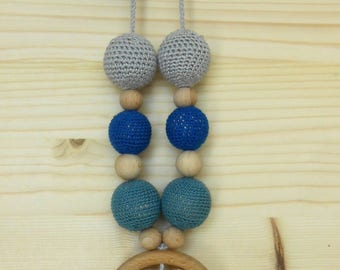 Nursing necklace for mom from wood and cotton-circle and heart