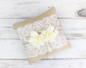 Rustic Ring Bearer Pillow - Rustic Wedding Ring Holder - Burlap and Lace Pillow - Elegant Barn Wedding -  Woodland Wedding - Wood Ring Box