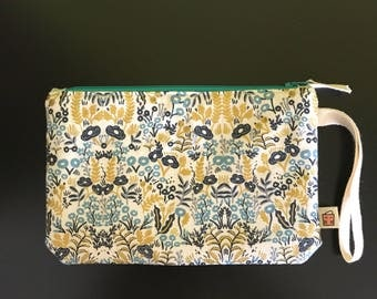 """Handmade small zipper purse for notions and accessories 8.5"""" x 5.5""""  *Menagerie Tapestry beige*"""