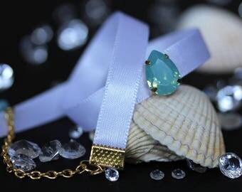 White sea wave chocker necklace with blue opal swarovski crystal