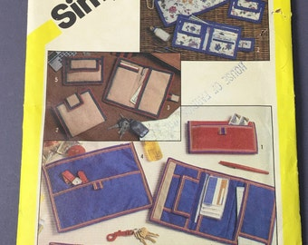 Simplicity Wallet Pattern #6230, Made in USA in 1983