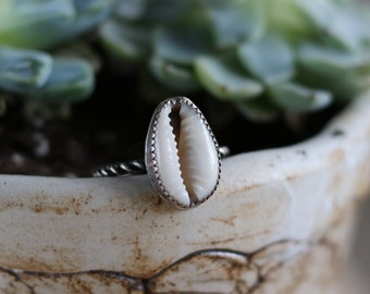 Simple shell ring, sterlingsilver • size 8
