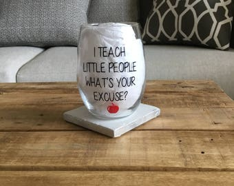 Teacher wine glass. Teacher gift. Best teacher gift. After school snack. Teaching is a work of heart. Keep your apple I'd rather have wine.