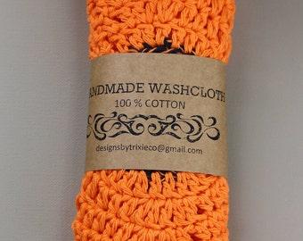100% Cotton Washcloths / Dishcloths Adorable bright Flowers (set of 2)