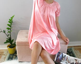 Vintage Beautiful Pink Shadow Line 60s Nylon Nightgown Gift