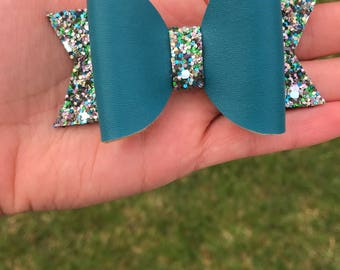 Teal glitter bow
