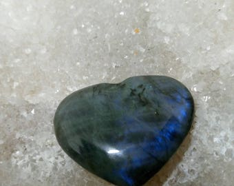 Labradorite blue and grey beige 22,63 Gr-heart